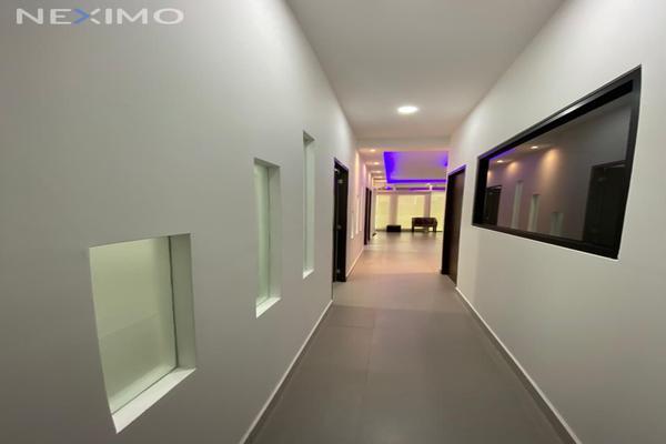 Foto de oficina en renta en avenida huayacan , supermanzana 312, benito juárez, quintana roo, 20628369 No. 01