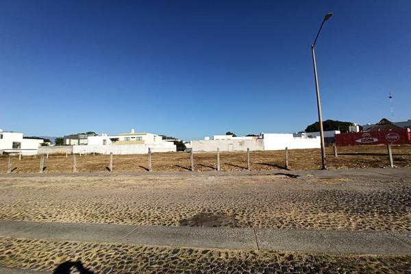 Foto de terreno habitacional en venta en avenida ignacio sandoval 4 , parque royal, colima, colima, 18748879 No. 02