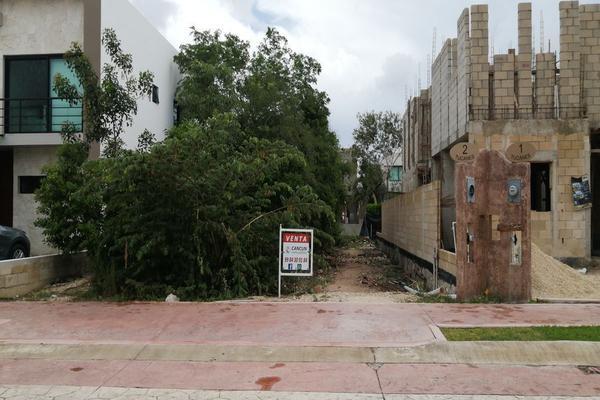 Foto de terreno habitacional en venta en avenida las antillas , lagos del sol, benito juárez, quintana roo, 0 No. 02