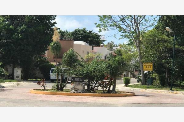 Foto de terreno habitacional en venta en avenida las torres 0, supermanzana 525, benito juárez, quintana roo, 19266935 No. 02