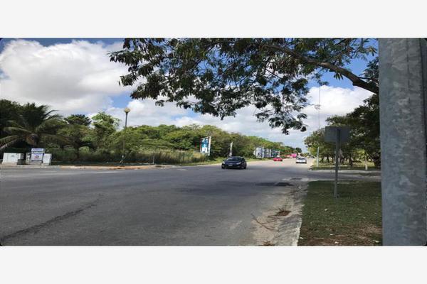 Foto de terreno habitacional en venta en avenida las torres 0, supermanzana 525, benito juárez, quintana roo, 19266935 No. 03