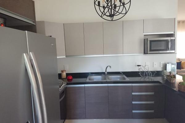 Foto de casa en venta en avenida lópez mateos sur , villa california, tlajomulco de zúñiga, jalisco, 12268293 No. 02