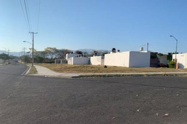 Foto de terreno habitacional en venta en avenida niños heroes 0, higueras del espinal, villa de álvarez, colima, 0 No. 01