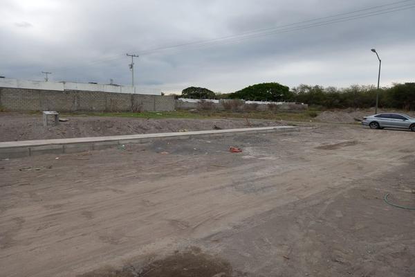 Foto de terreno habitacional en venta en avenida niños héroes , tulipanes, villa de álvarez, colima, 0 No. 02
