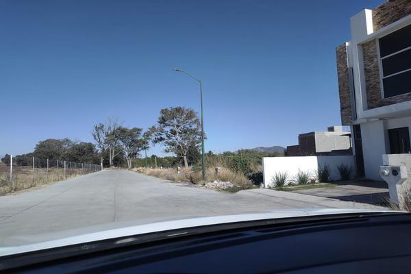 Foto de terreno habitacional en venta en avenida pedregal sur , los ejidos, morelia, michoacán de ocampo, 19540757 No. 02
