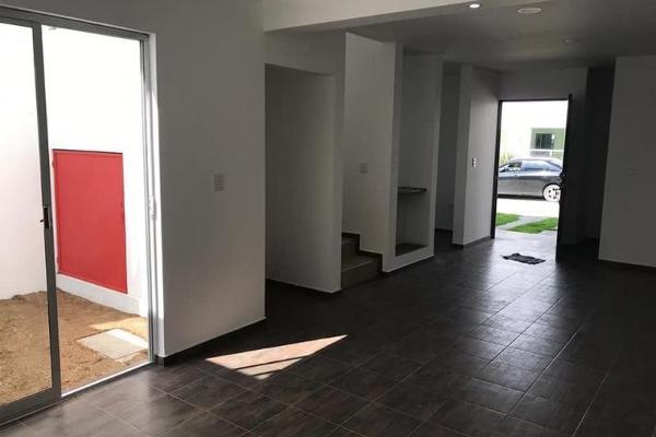 Foto de casa en venta en avenida revolucion 1, villas del alto, cuautlancingo, puebla, 10084375 No. 02