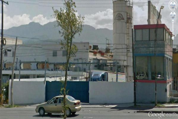 Foto de terreno habitacional en venta en avenida revolución 100 , buenos aires, monterrey, nuevo león, 14910676 No. 02