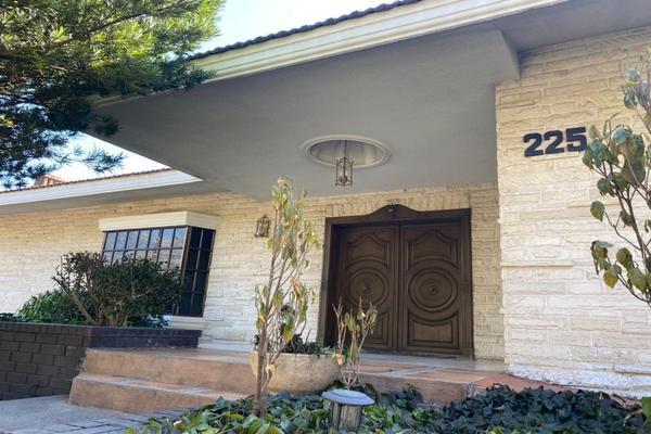 Foto de casa en renta en avenida rosario , hacienda el rosario, san pedro garza garcía, nuevo león, 19313098 No. 01