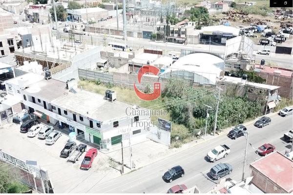 Foto de local en venta en avenida santa fe , villas cervantinas, guanajuato, guanajuato, 0 No. 02