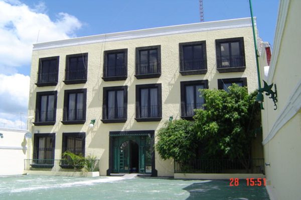 Foto de edificio en renta en avenida universidad oriente , universidad, querétaro, querétaro, 0 No. 01