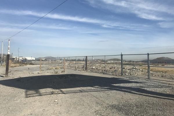 Foto de terreno comercial en renta en blvrd. nazario ortiz garza , virreyes obrera, saltillo, coahuila de zaragoza, 4635151 No. 02