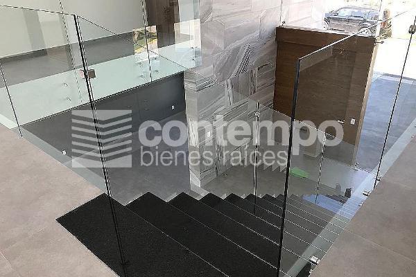 Foto de casa en venta en  , bosque esmeralda, atizapán de zaragoza, méxico, 14024711 No. 01