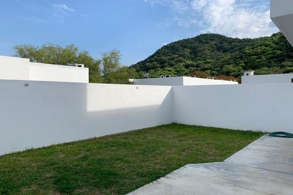 Foto de casa en venta en  , bosques de san josé, santiago, nuevo león, 18378057 No. 02