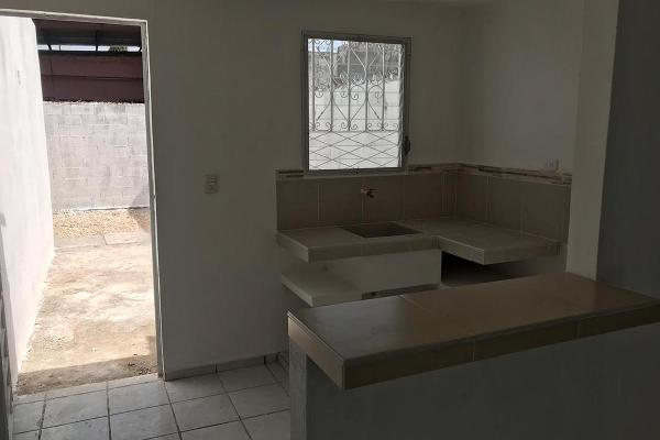Foto de casa en venta en  , bosques de yucalpeten, mérida, yucatán, 7974526 No. 02