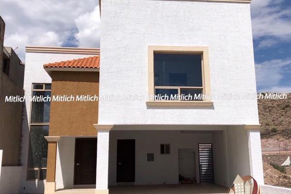 Foto de casa en venta en  , bosques del valle, chihuahua, chihuahua, 7907838 No. 01