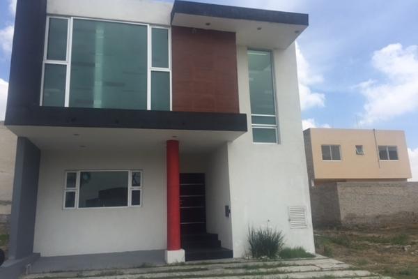 Casa en blvd vista de la monta a jardines de tlajomulco for Casas en jardines