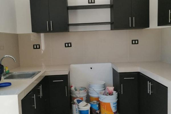 Foto de casa en venta en  , boulevares de chuburna, mérida, yucatán, 14038904 No. 02