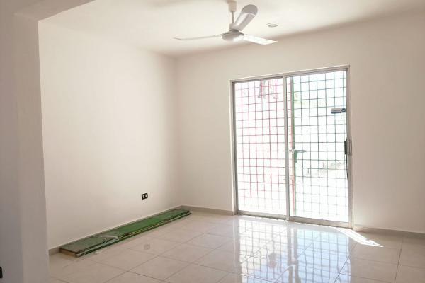 Foto de casa en venta en  , boulevares de chuburna, mérida, yucatán, 14038904 No. 03