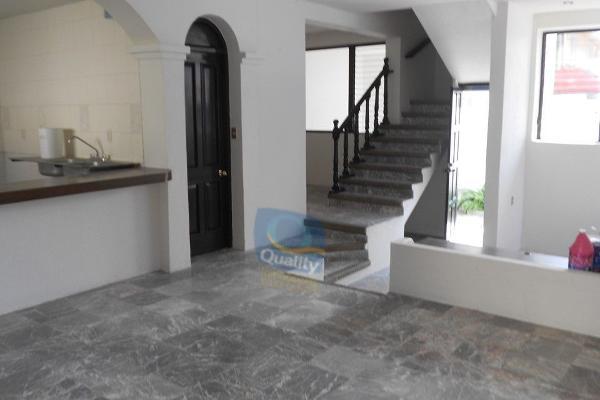 Foto de casa en venta en  , bugambilias, chilpancingo de los bravo, guerrero, 14024086 No. 02