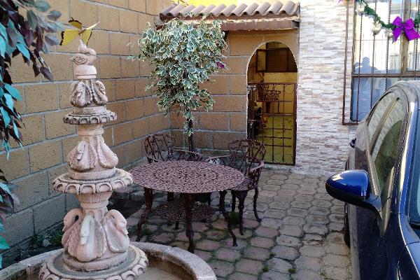 Foto de casa en venta en  , cacalomac?n, toluca, m?xico, 1563598 No. 02