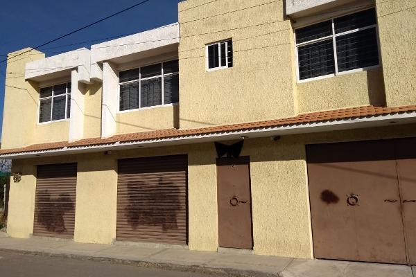 Foto de casa en venta en  , san cristóbal huichochitlán, toluca, méxico, 4480006 No. 01