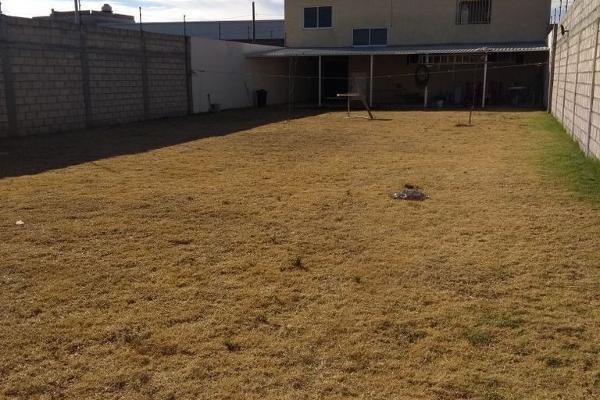 Foto de casa en venta en  , san cristóbal huichochitlán, toluca, méxico, 4480006 No. 02