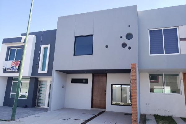 Foto de casa en venta en calandrias 100, villas del marques, zapopan, jalisco, 0 No. 01