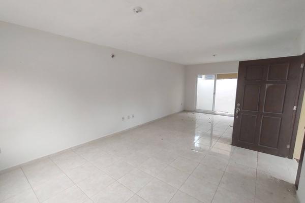 Foto de casa en venta en calle 5 de mayo , hidalgo poniente, ciudad madero, tamaulipas, 20166154 No. 02