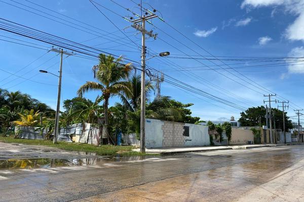 Foto de terreno habitacional en venta en calle 55 , caleta, carmen, campeche, 16443860 No. 02