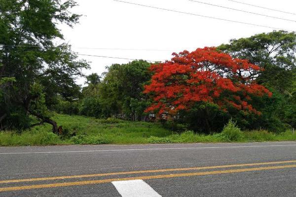 Foto de terreno habitacional en venta en calle central , puerto arista, tonalá, chiapas, 5386795 No. 02