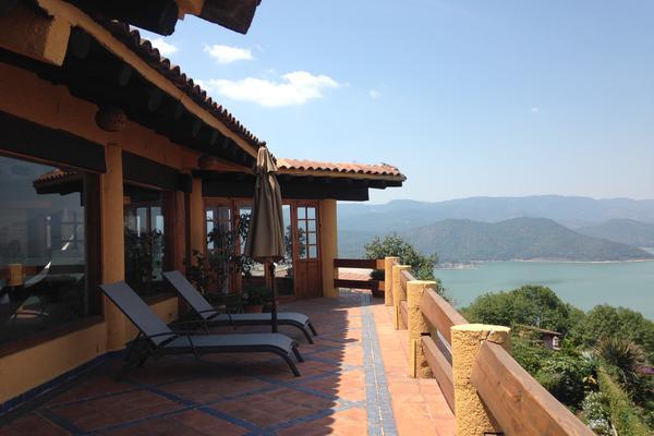 Foto de casa en venta en calle de los misioneros , valle de bravo, valle de bravo, méxico, 7239223 No. 01