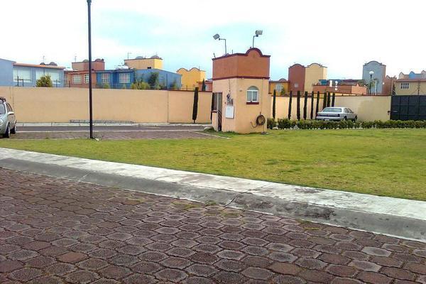 Foto de casa en renta en calle san felipe , san pedro totoltepec, toluca, méxico, 14030375 No. 02
