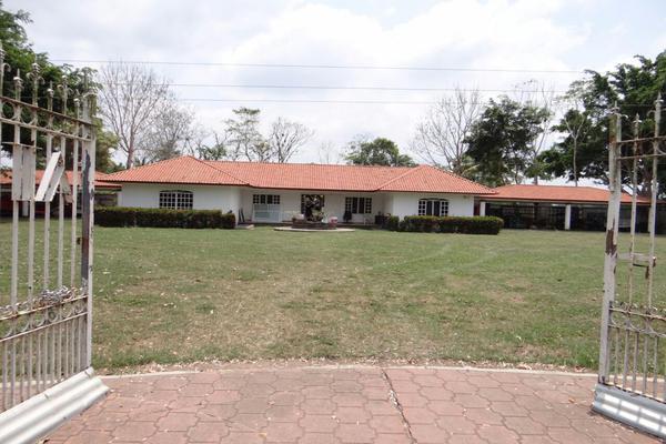 Foto de rancho en venta en camino vecinal, comalcalco , josé maria pino suárez 3a sección (corinto), comalcalco, tabasco, 8381452 No. 01