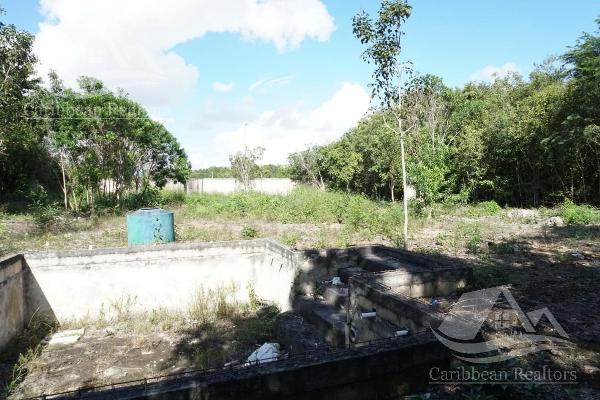 Foto de terreno habitacional en venta en  , campestre, benito juárez, quintana roo, 0 No. 02