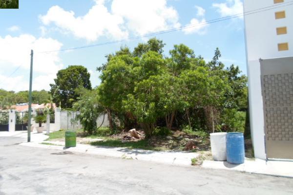 Foto de terreno habitacional en venta en  , campestre, benito juárez, quintana roo, 2634403 No. 01
