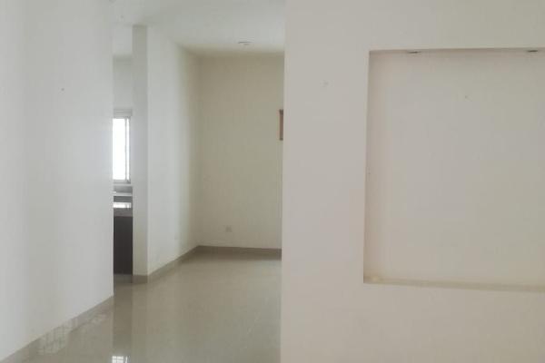 Foto de casa en venta en  , campestre, mérida, yucatán, 14038577 No. 02