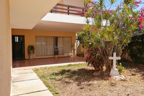 Foto de casa en renta en  , campestre, mérida, yucatán, 14038585 No. 02