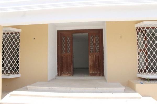 Foto de casa en venta en  , campestre, mérida, yucatán, 3426126 No. 02