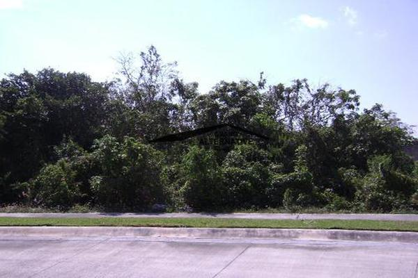Foto de terreno habitacional en venta en  , cancún centro, benito juárez, quintana roo, 7193736 No. 02