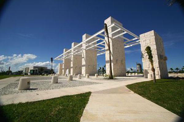 Foto de terreno habitacional en venta en  , cancún centro, benito juárez, quintana roo, 7193792 No. 01