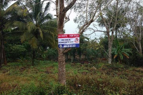 Foto de terreno habitacional en venta en  , carlos a madrazo, othón p. blanco, quintana roo, 7211487 No. 01