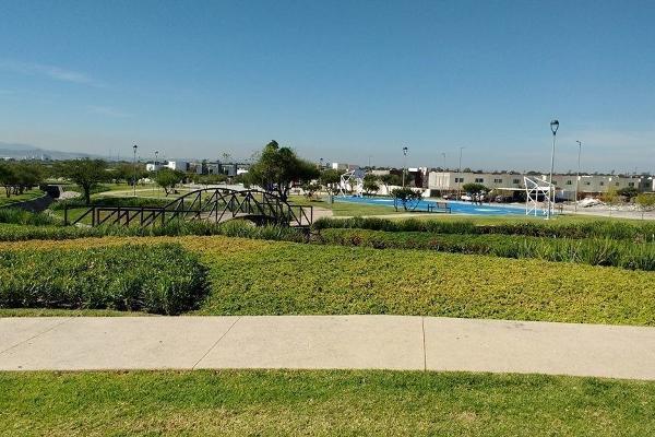 Foto de terreno habitacional en venta en carranco , residencial el refugio, querétaro, querétaro, 14037279 No. 02