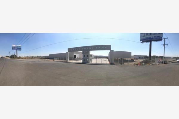 Foto de terreno industrial en venta en carretera panamericana kilometro 16.5, balvanera, corregidora, querétaro, 0 No. 01