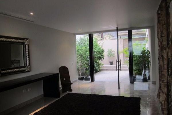 Foto de casa en venta en  , carrizalejo, san pedro garza garcía, nuevo león, 3059591 No. 02