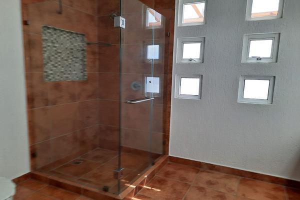 Foto de casa en renta en casa en venta en metepec edo. de méx. a unos pasos de avenida lerma- sor juana con acceso rapido a l , valle del cristal, metepec, méxico, 21045547 No. 38