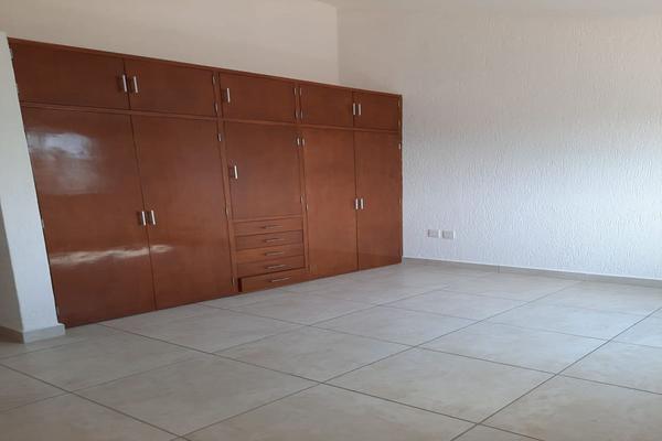 Foto de casa en renta en casa en venta en metepec edo. de méx. a unos pasos de avenida lerma- sor juana con acceso rapido a l , valle del cristal, metepec, méxico, 21045547 No. 42