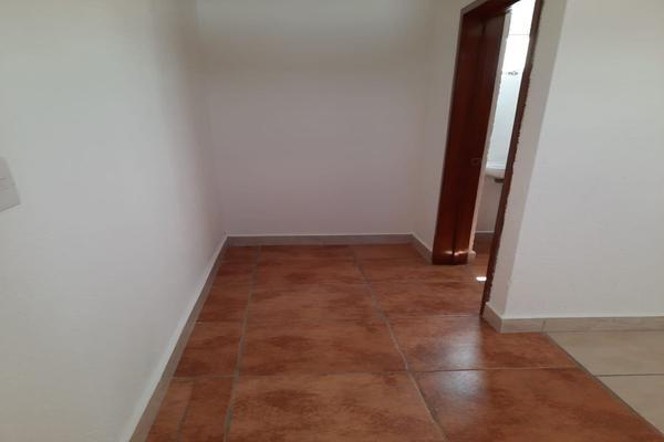 Foto de casa en renta en casa en venta en metepec edo. de méx. a unos pasos de avenida lerma- sor juana con acceso rapido a l , valle del cristal, metepec, méxico, 21045547 No. 46