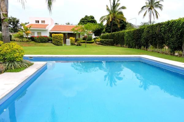 Foto de casa en venta en  , centro, xochitepec, morelos, 5294223 No. 01