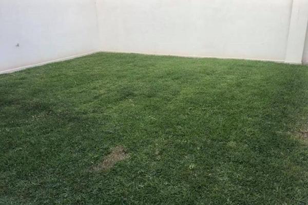 Foto de casa en venta en cerrada lobo , fraccionamiento lagos, torreón, coahuila de zaragoza, 6199400 No. 02