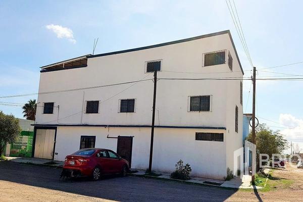Foto de edificio en venta en cesar costa , valle del guadiana, durango, durango, 21279368 No. 01